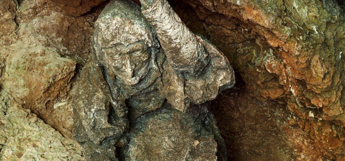 ursula shipton statue